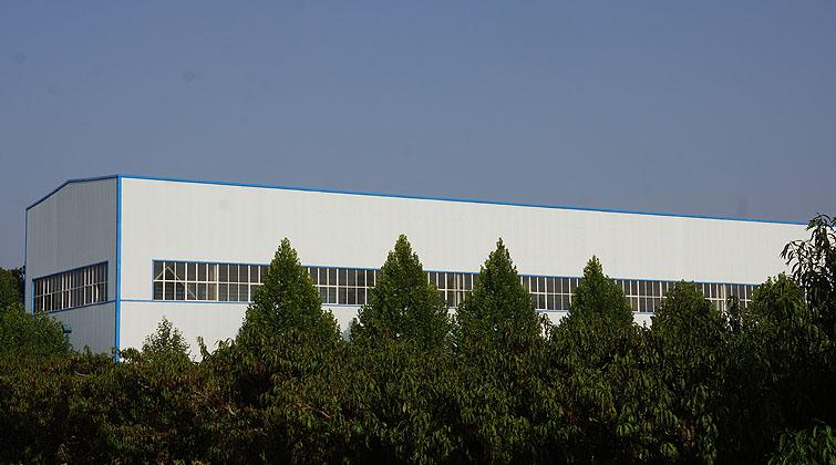 产业园内的必威备用地址生产厂
