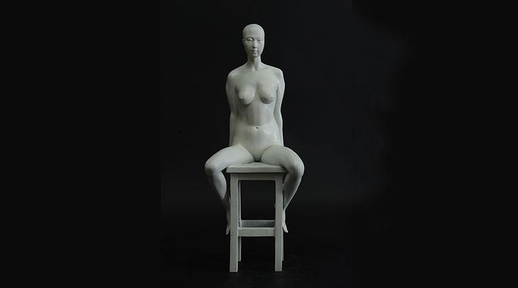 静-高高的凳子
